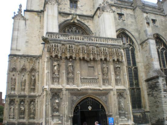 Canterbury Cathedral: entrance to cathedral