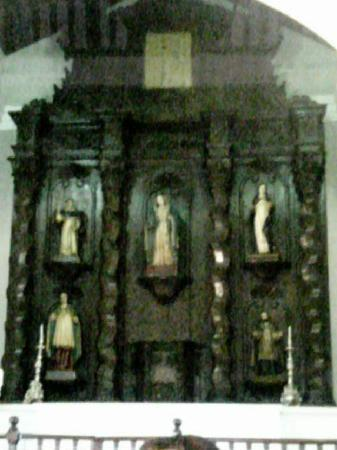 """San German, Пуэрто-Рико: """"retablo"""" located at the center of the altar"""