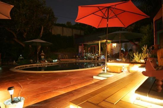 Hollywood Bed & Breakfast: A gorgeous, balmy night near the pool.