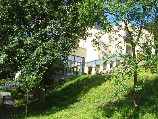 hanggarten literaturhotel franzosenhohl blick vom hang garten auf das hotel vorne ist der wintergarten neu anlegen