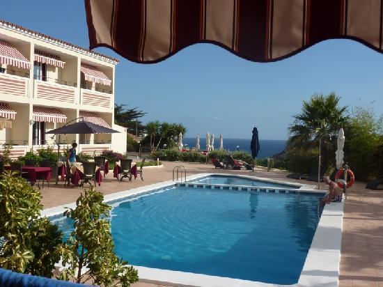 Piscina di giorno foto di hotel sa barrera cala 39 n for Barrera piscina