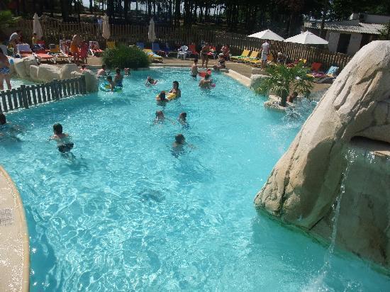 Yelloh ! Village Parc du Val de Loire: piscine extérieur