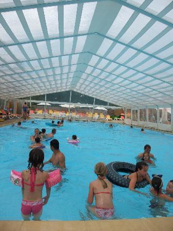 Yelloh ! Village Parc du Val de Loire: piscine intérieure