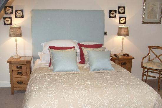 The Hare and Hounds Restaurant: Our superior bedroom
