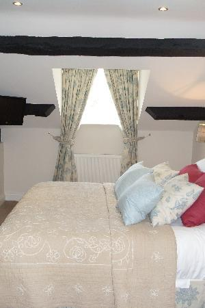 The Hare and Hounds Restaurant: Our superior bedroom2