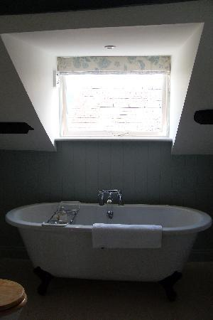 The Hare and Hounds Restaurant: Beautiful Bathroom2