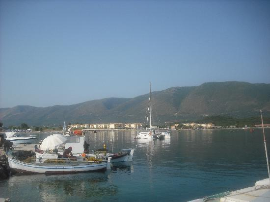 Alykanas Village Hotel: view of hotel from boat