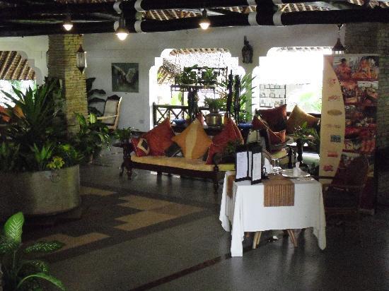 Leopard Beach Resort & Spa: Reception area