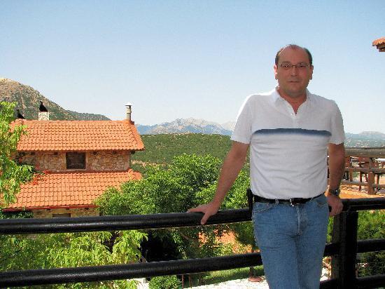 Georgio's V Chalet : Me, Panos, at the veranda