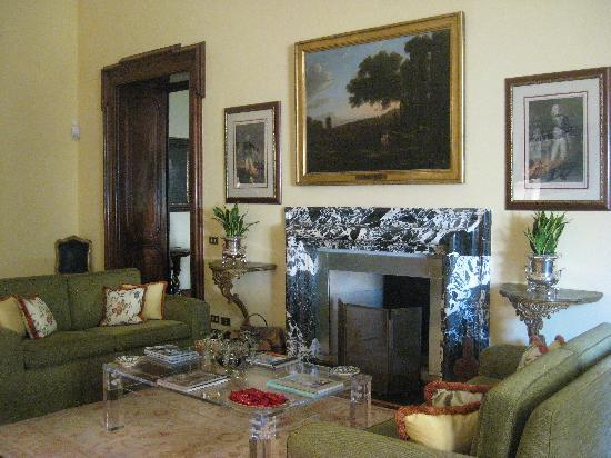 Villa Spalletti Trivelli: One of the drawing rooms
