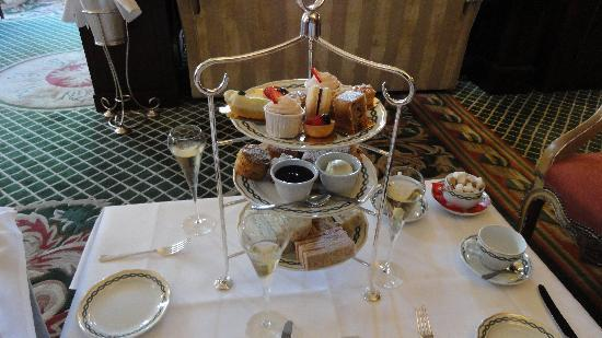 The Milestone Hotel: Afternoon Tea