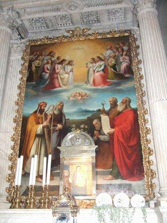 Santa Maria delle Carceri: サンタ・マリア・デッレ・カルチェリ教会祭壇画