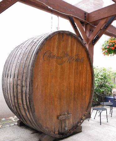 Chateau Ste. Michelle Vineyards: Giant Wine Barrel