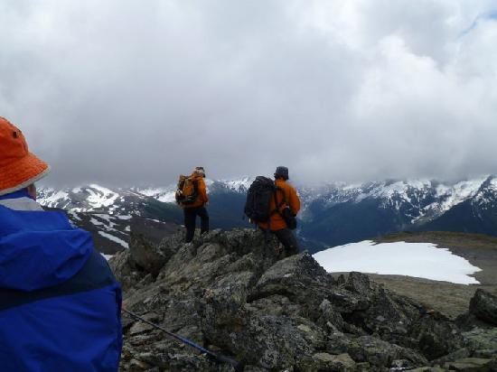 Canadian Mountain Holidays : goatpeak summit for lunch