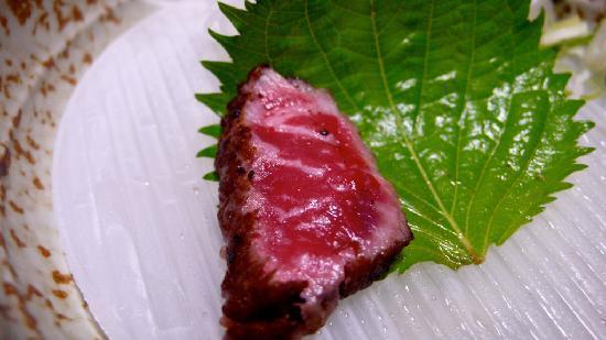 Ryokan Fujioto: An unimprovable Shinshu beef (信州和牛) tataki - there were originally six slices