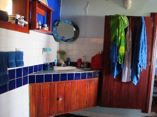 Casa Ki: El baño muy limpio.