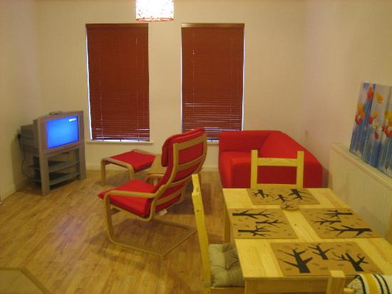 Orchid House Apartments: Living/dining area