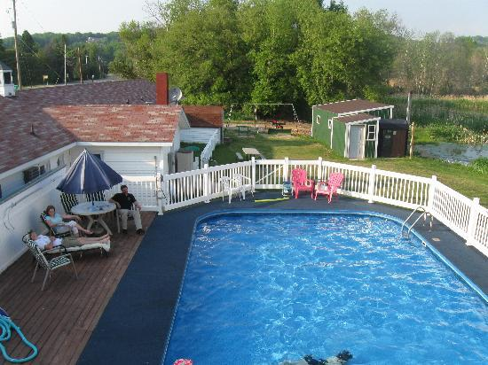 Northwoods Lodging: Pool Area