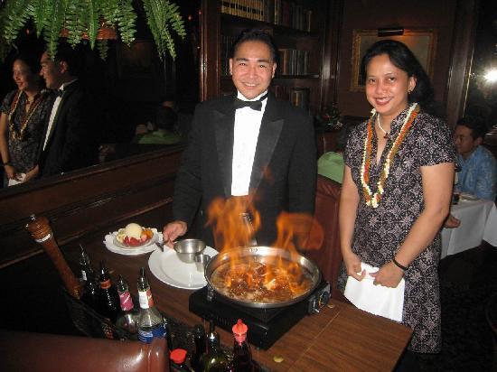 Hy's Steak House - Waikiki: Preparation for strawberries Sinatra