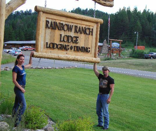 Rainbow Ranch Lodge: Out front of Rainbow Ranch