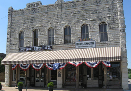 Granbury, Teksas: Outside of the Nutt Historical Hotel