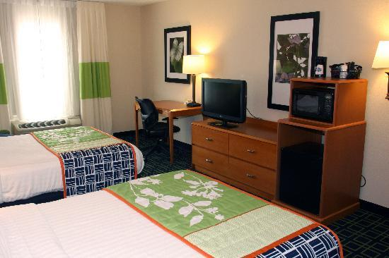 Fairfield Inn & Suites Marion : Guest Room