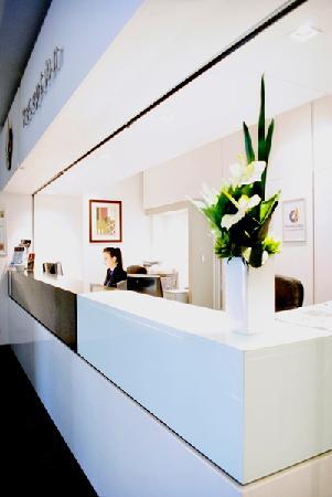 Mawson Lakes Hotel: Reception