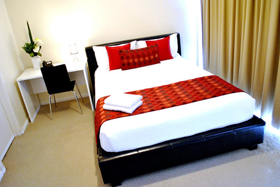 Mawson Lakes Hotel: Apartment Bedroom