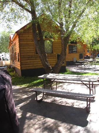 Snake River Park KOA and Cabin Village: Lodge from the back
