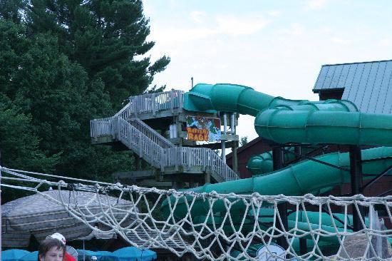 Lake wilderness outdoor water park picture of wilderness for Dells wilderness cabin
