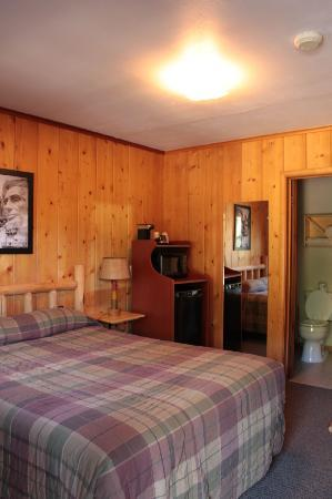 Powder House Lodge: Cabin van binnen.
