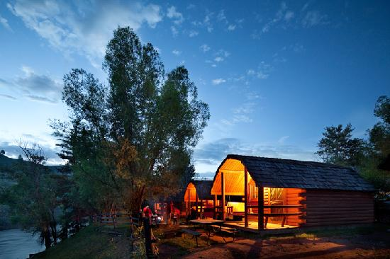 Snake River Park KOA and Cabin Village: Kamping Kabins overlooking the Snake River