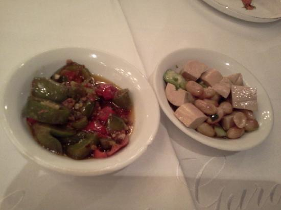 Hunan Garden: A mild and a spicy appetizers---Take your pick