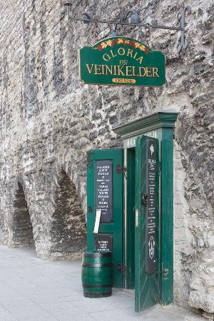 Gloria Wine Cellar