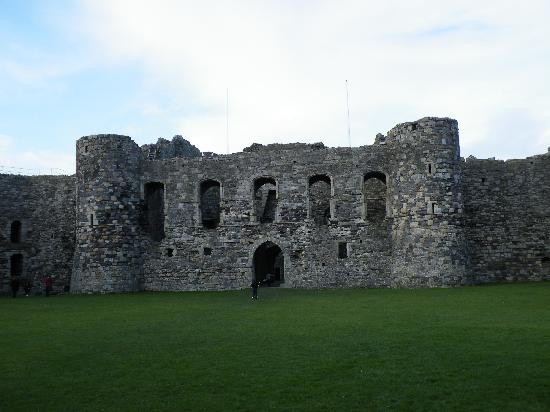 ‪Beaumaris Castle‬