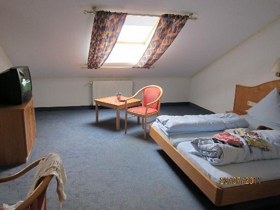 Weingut Sandwiese Winzerhotel: bedroom