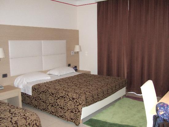 Mediterraneo Palace Hotel : camera