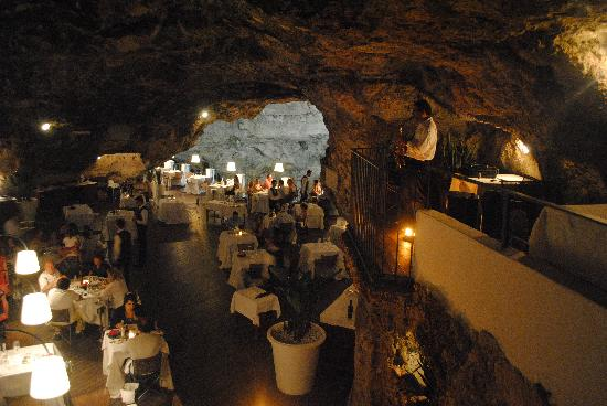 Restaurant In Rock Picture Of Hotel Ristorante Grotta