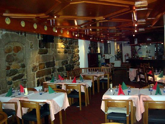 La Puccia: L'intérieur du restaurant coté entrée
