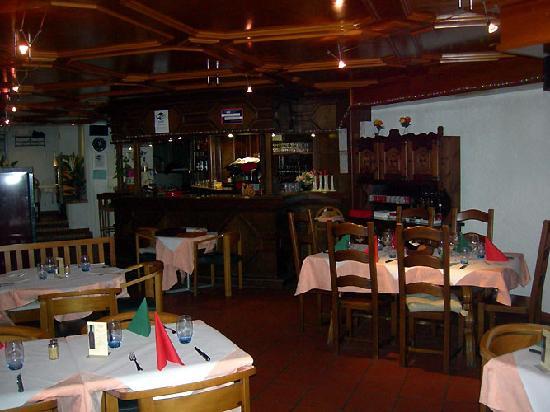 La Puccia: Restaurant et bar à café