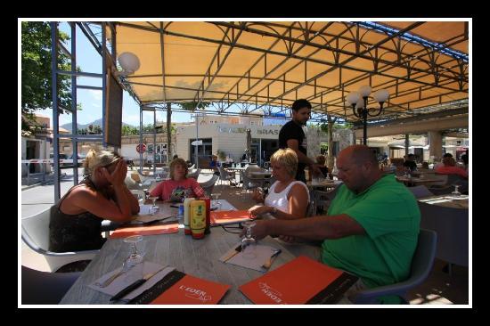 L'eden Cafe: La terrasse de l'Eden