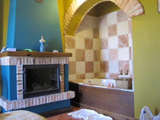 Hospederia Rural Ballesteros: bañera hidromasaje