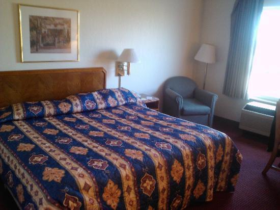 Super 8 Madison : Room looking East