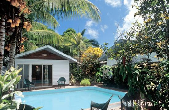 La Cuvette Hotel : the pool