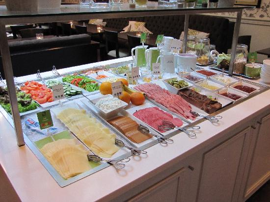 Clarion Collection Hotel Bastion: Breakfast Buffet