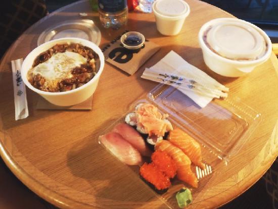 Dai Ki Chi: Oyakodomburi - sushi - Tonkatsudomburi