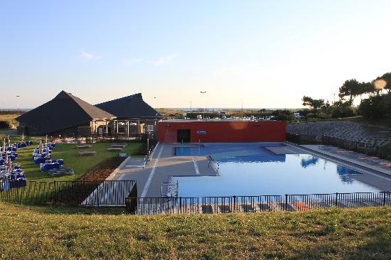 Belambra Clubs - Les Portes de l'Océan : piscine, salle spectacle