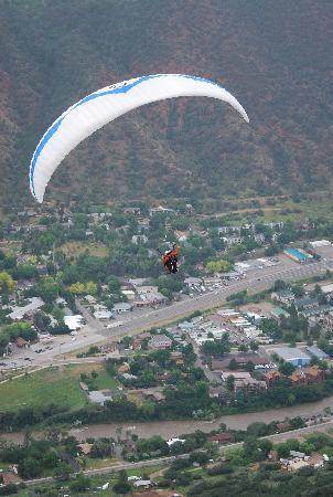 Adventure Paragliding: Gliding over Glenwood Springs