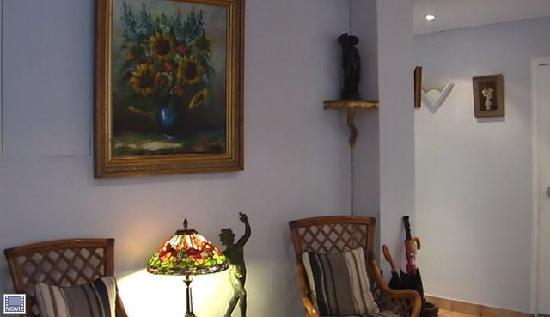 Agate Hotel: une vue du hallreception