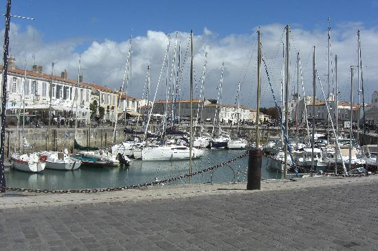 Le Belem: view of the harbour from our seat